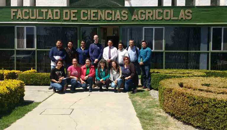 Some of the participants in the Agricultural Epidemiology workshop taught by Paul Esker at the Autonomous University of Mexico State